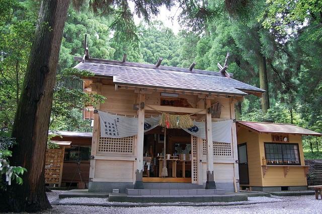 荒立神社|住吉神社・護国神社など神社結婚式に人気の神社|福岡・九州で和装の神社結婚式・和婚ならウェディングセレクト!和婚
