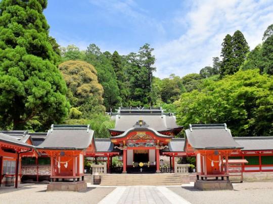 霧島神宮|住吉神社・護国神社など神社結婚式に人気の神社|福岡・九州で和装の神社結婚式・和婚ならウェディングセレクト!和婚