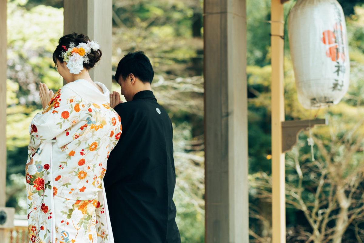 竈門神社|フォトウェディング・前撮りに人気のロケーションスポット|福岡・九州でフォトウェディング・前撮りならウェディングセレクト!フォトウェディング