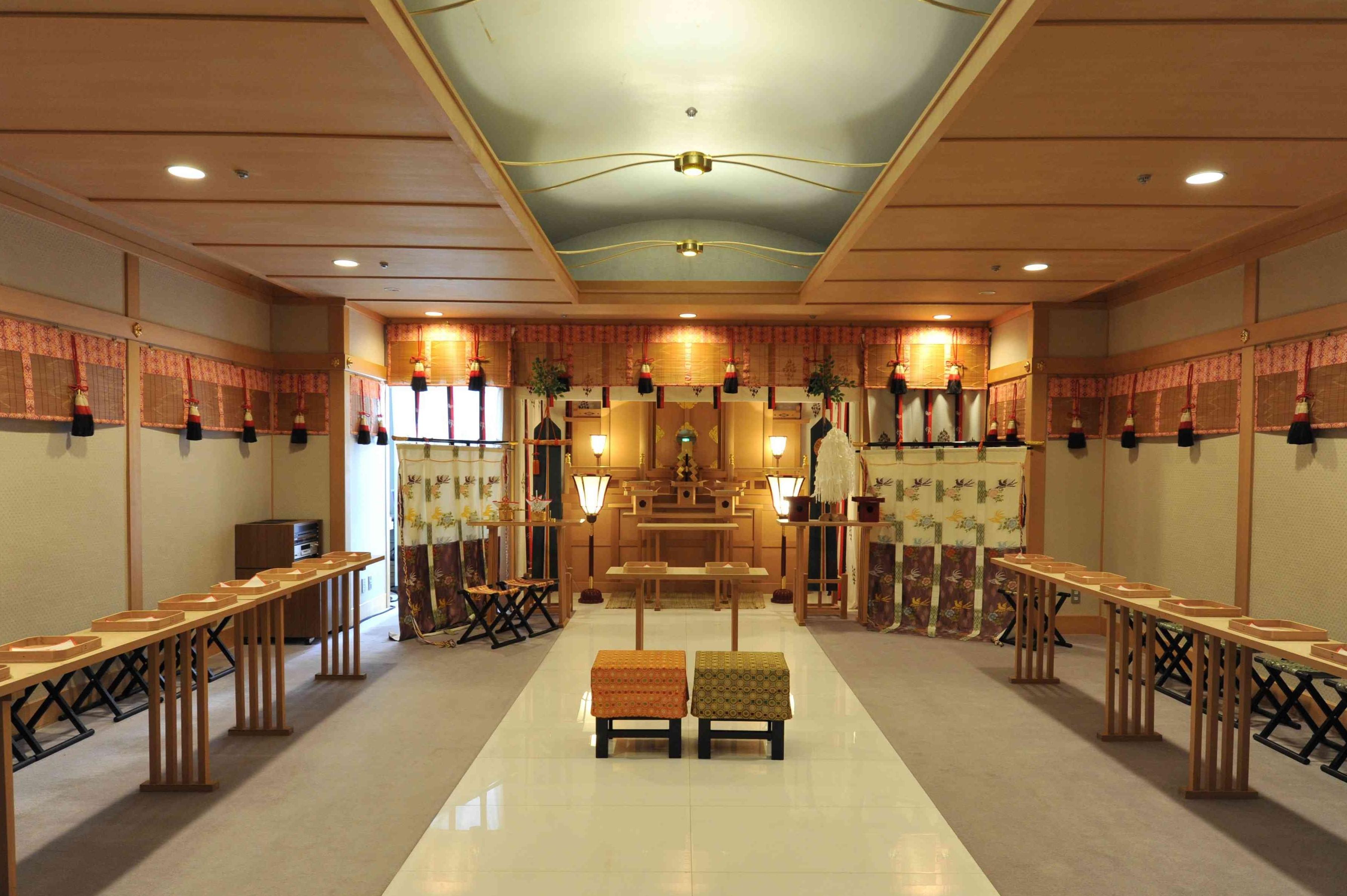 福岡リーセントホテル神殿|神社結婚式・和婚の5万円の定額制格安プラン・お得なキャンペーン|福岡・九州で和装の神社結婚式・和婚ならウェディングセレクト!和婚